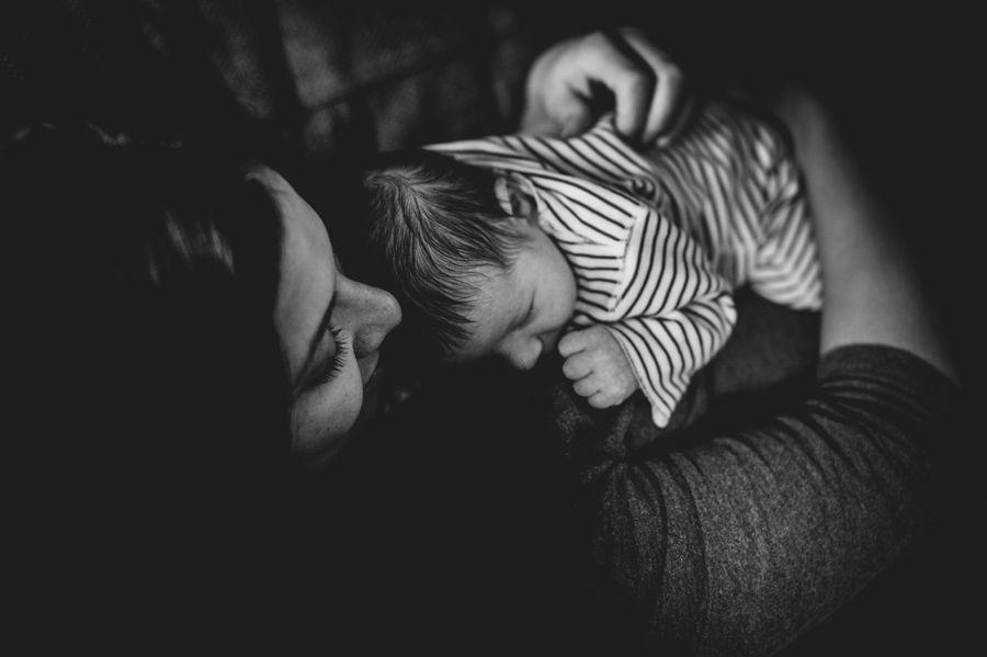 Lifestyle babyfotografie aan huis Rosmalen - Den Bosch
