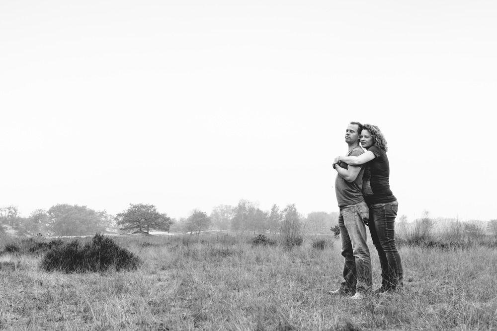 stoere zwangerschapsfotografie buitenlocatie Den Bosch