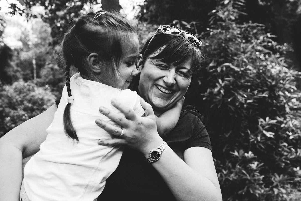 Documentaire spontane ongeposeerde familiefotografie Den Bosch fotograaf Rosmalen