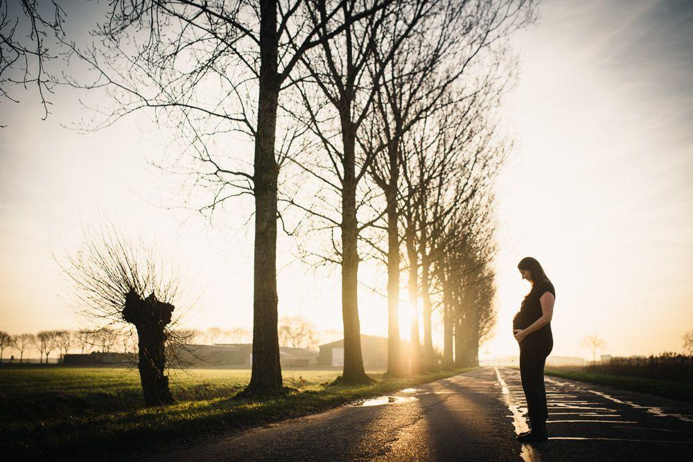 stoere artistieke zwangerschapsfotografie op locatie
