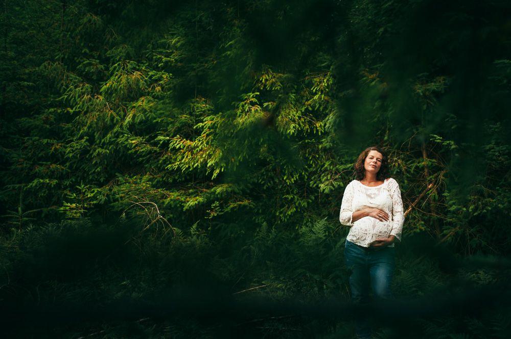 artistieke stoere zwangerschapsfotografie Den Bosch Eindhoven fotograaf zwangerschap