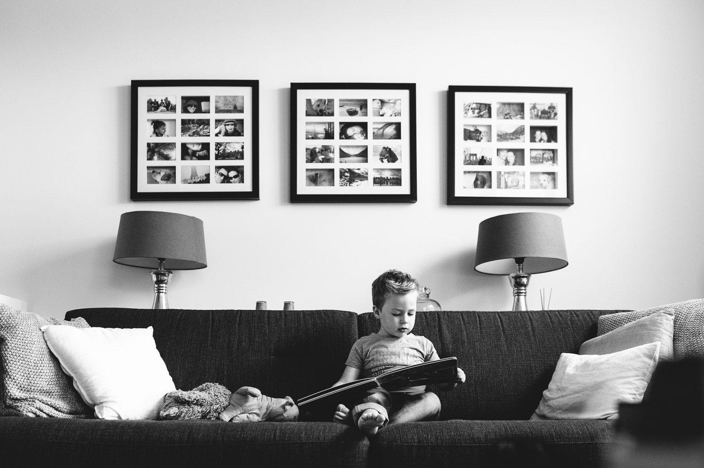 ongeposeerde kinderfotografie thuis