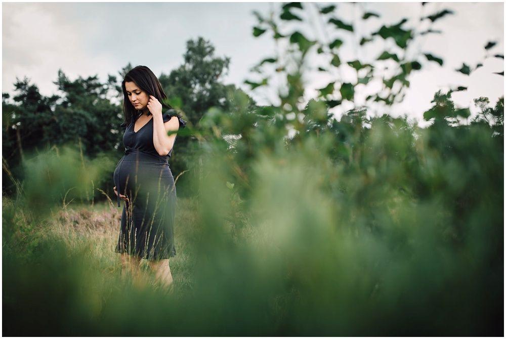 Zwangerschapsfotografie op locatie Eindhoven_0013.jpg