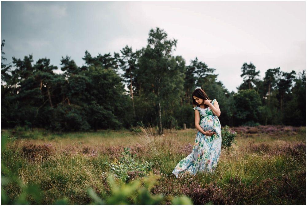 Zwangerschapsfotografie op locatie Eindhoven_0015.jpg