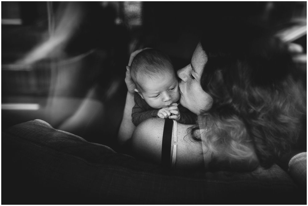 Lifestyle newborn fotografie aan huis Boxtel 009.jpg