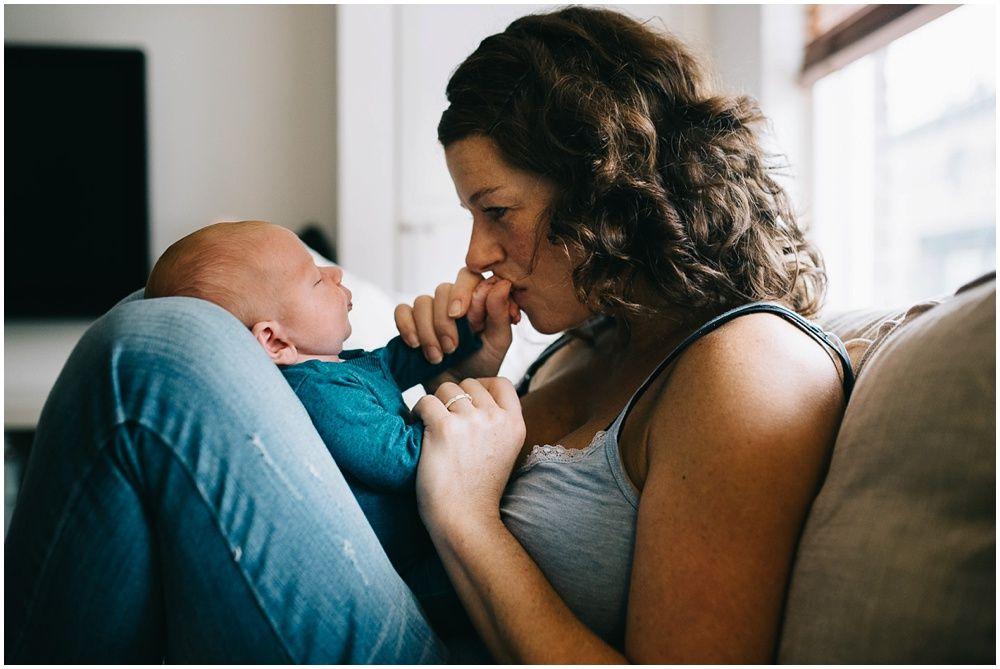 Lifestyle newborn fotografie aan huis Boxtel 010.jpg