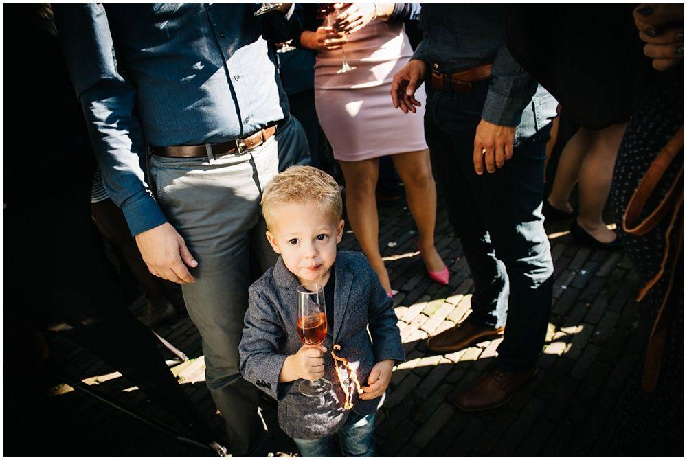 fotograaf bruiloft Eindhoven, journalistieke bruidsfotografie, spontane trouwfoto's