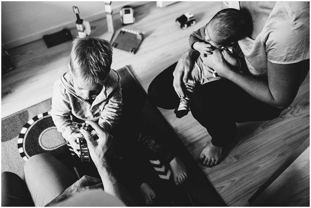 documentaire familiefotografie, day in the life, natuurlijke foto's kinderen gezin newborn Amersfoort