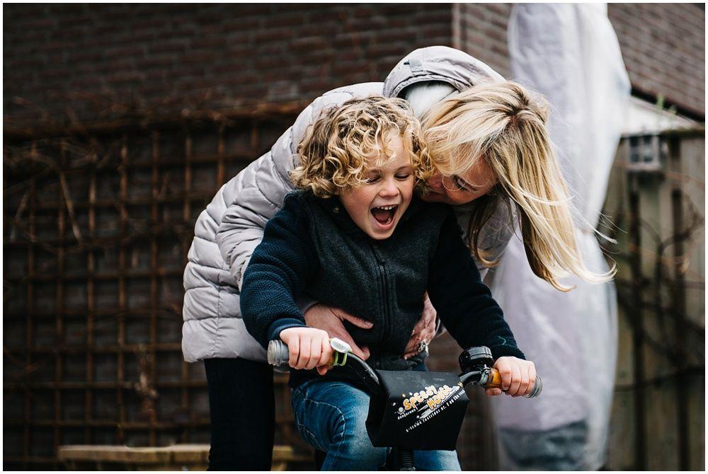 Documentaire familieshoot fotograaf gezin Oss 16.jpg