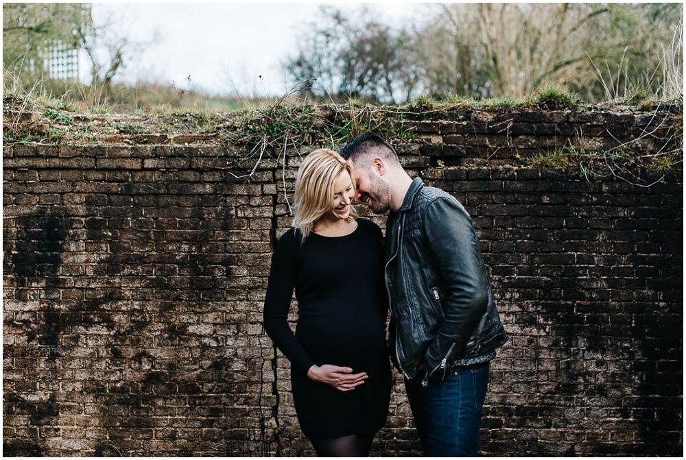 stoere zwangerschapsfotografie den bosch eindhoven fotoshoot zwangerschap buitenlocatie