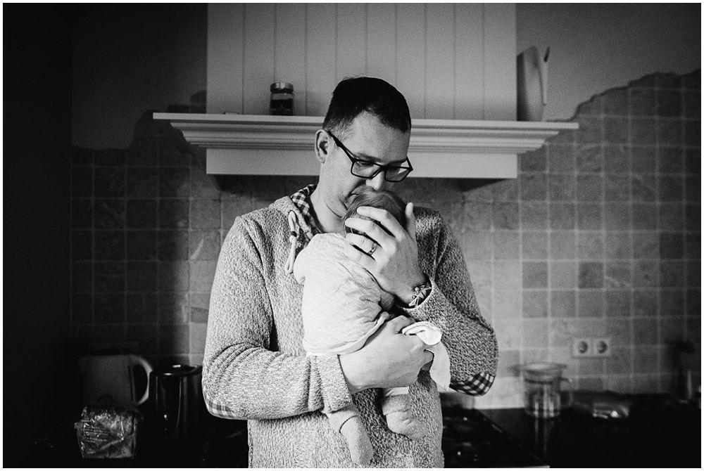 Documentaire familiefotografie ongeposeerde newbornfotografie_0026.jpg
