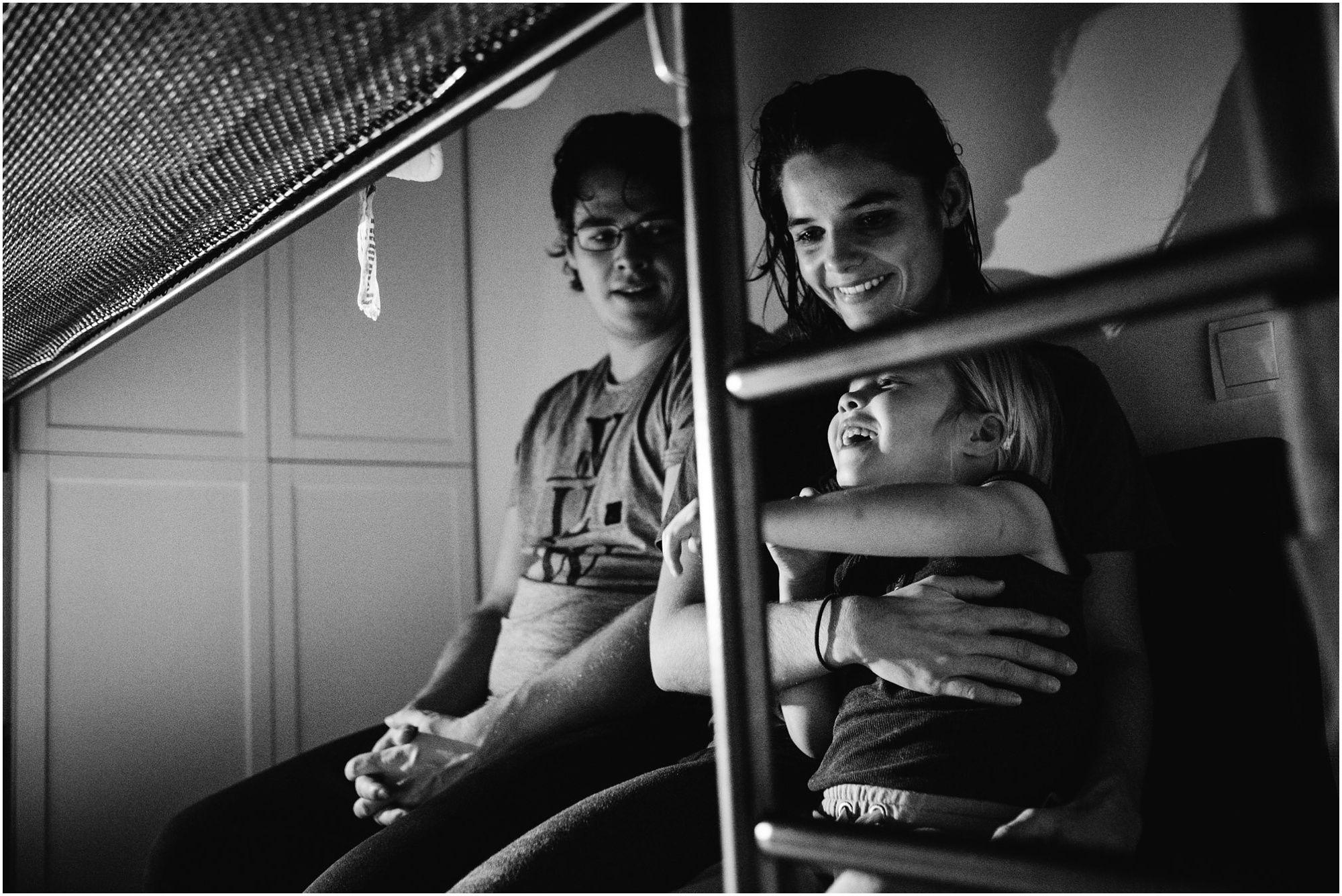 spontane ongeposeerde natuurlijke familiefotografie, fotograaf gezin