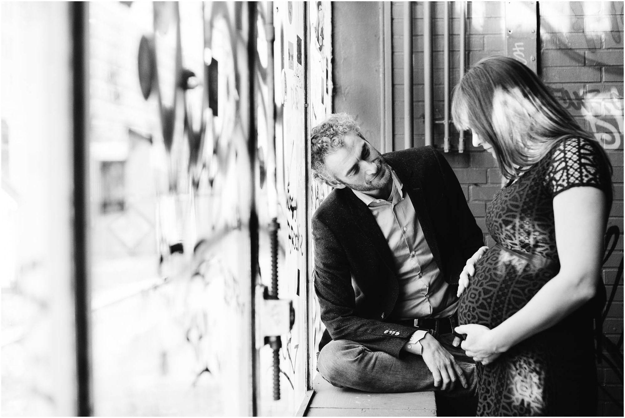 fotograaf zwangerschap Eindhoven - fotoshoot zwanger industriële locatie