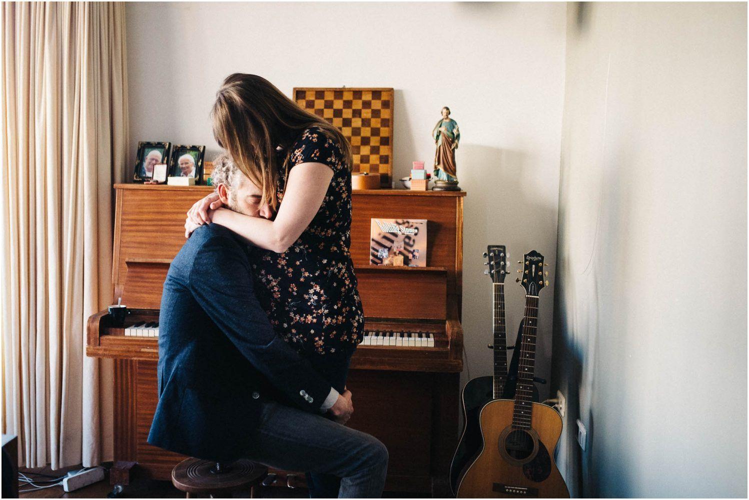 zwangerschapsfotografie thuis intiem - fotograaf zwangerschap Eindhvoen