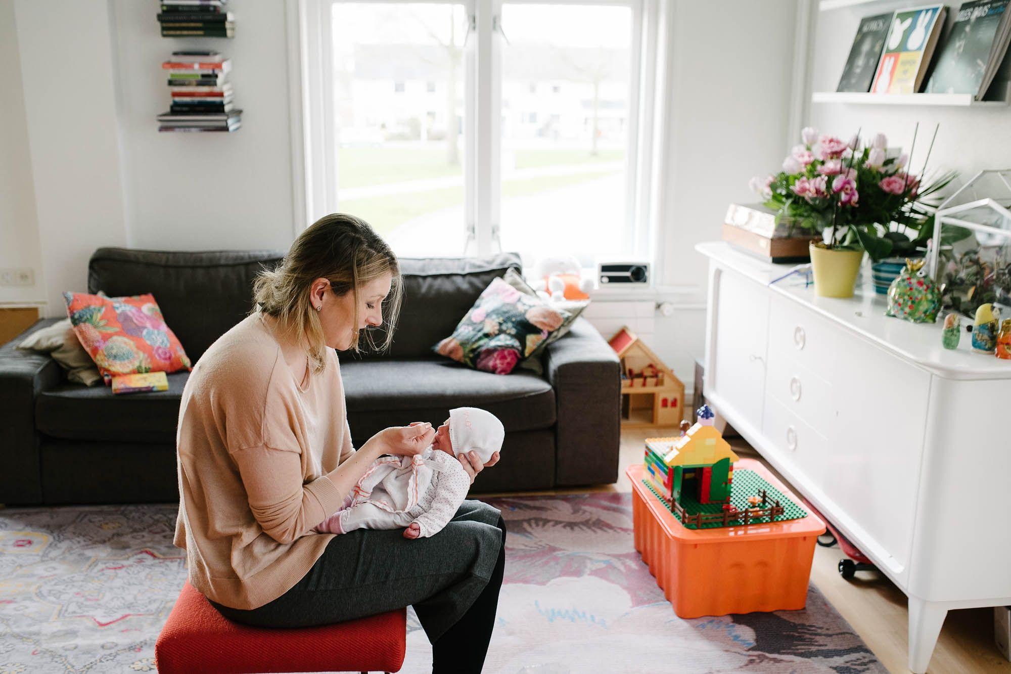 Newborn fotografie ongeposeerd tweeling newbornfotograaf Eindhoven 013.jpg