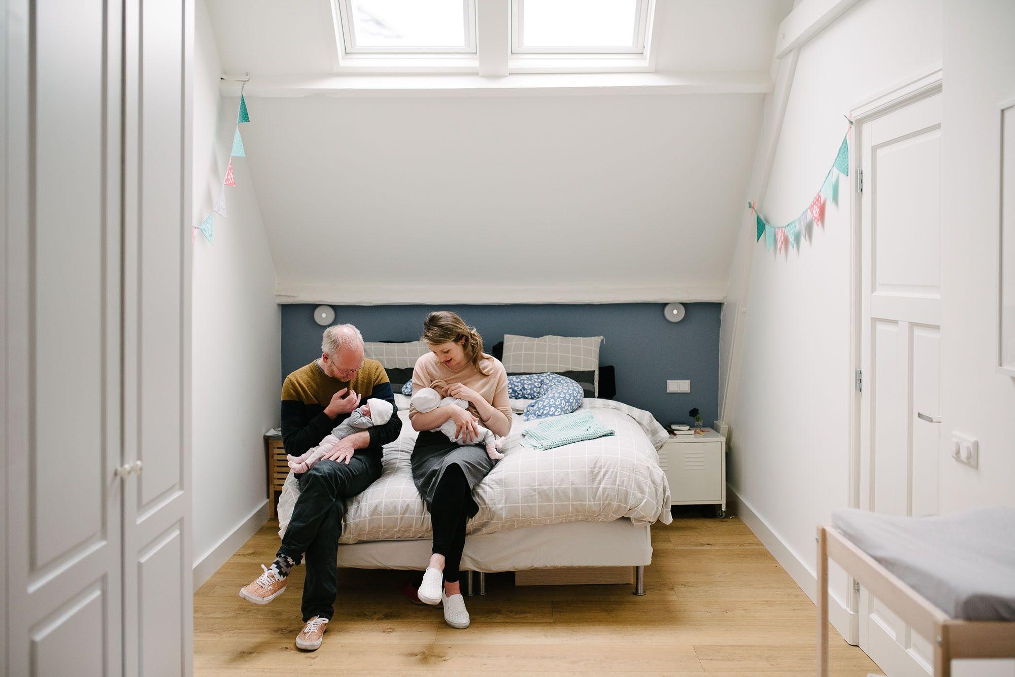 Newborn fotografie ongeposeerd tweeling newbornfotograaf Eindhoven 048.jpg