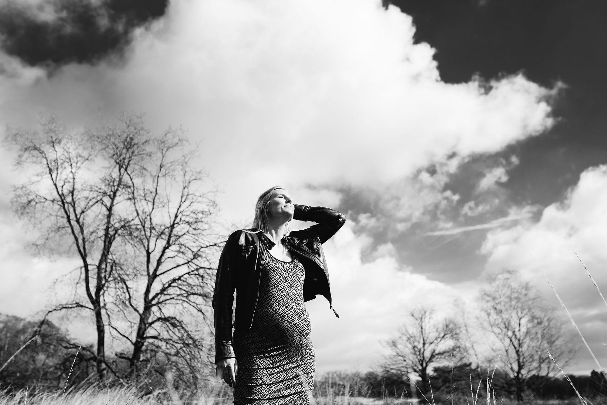 stoere zwangerschapsfoto's Den Bosch fotograaf zwangerschap