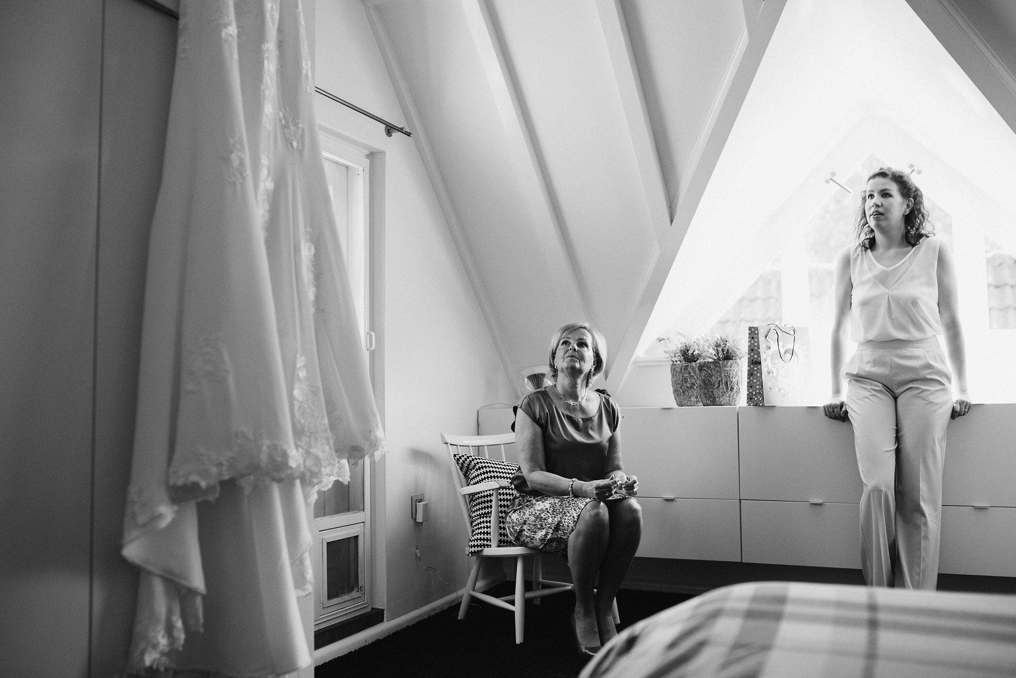 Bruidsfotograaf-Sittard-journalistieke-bruidsfotografie-007.jpg