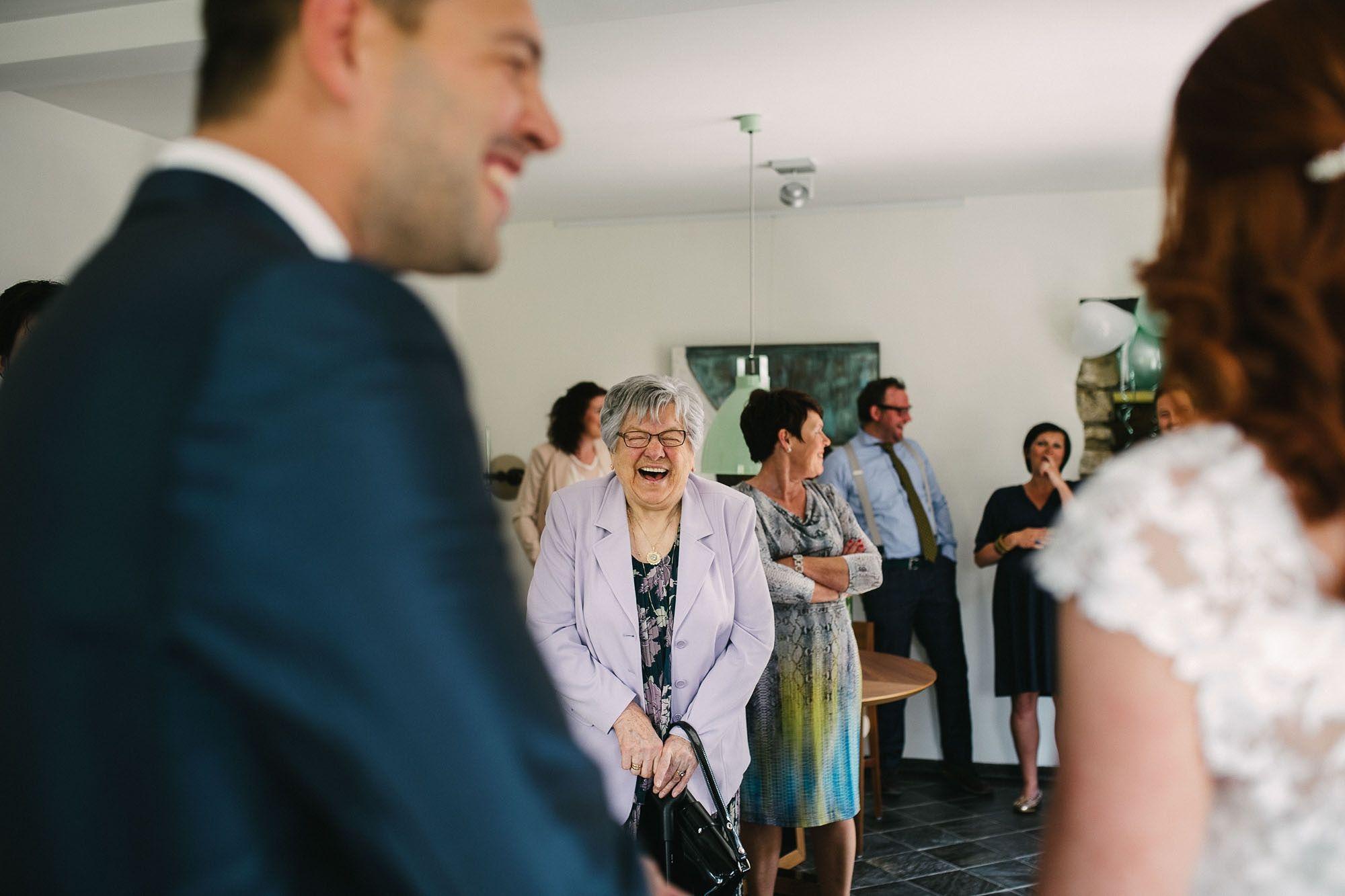 Bruidsfotograaf-Sittard-journalistieke-bruidsfotografie-023.jpg