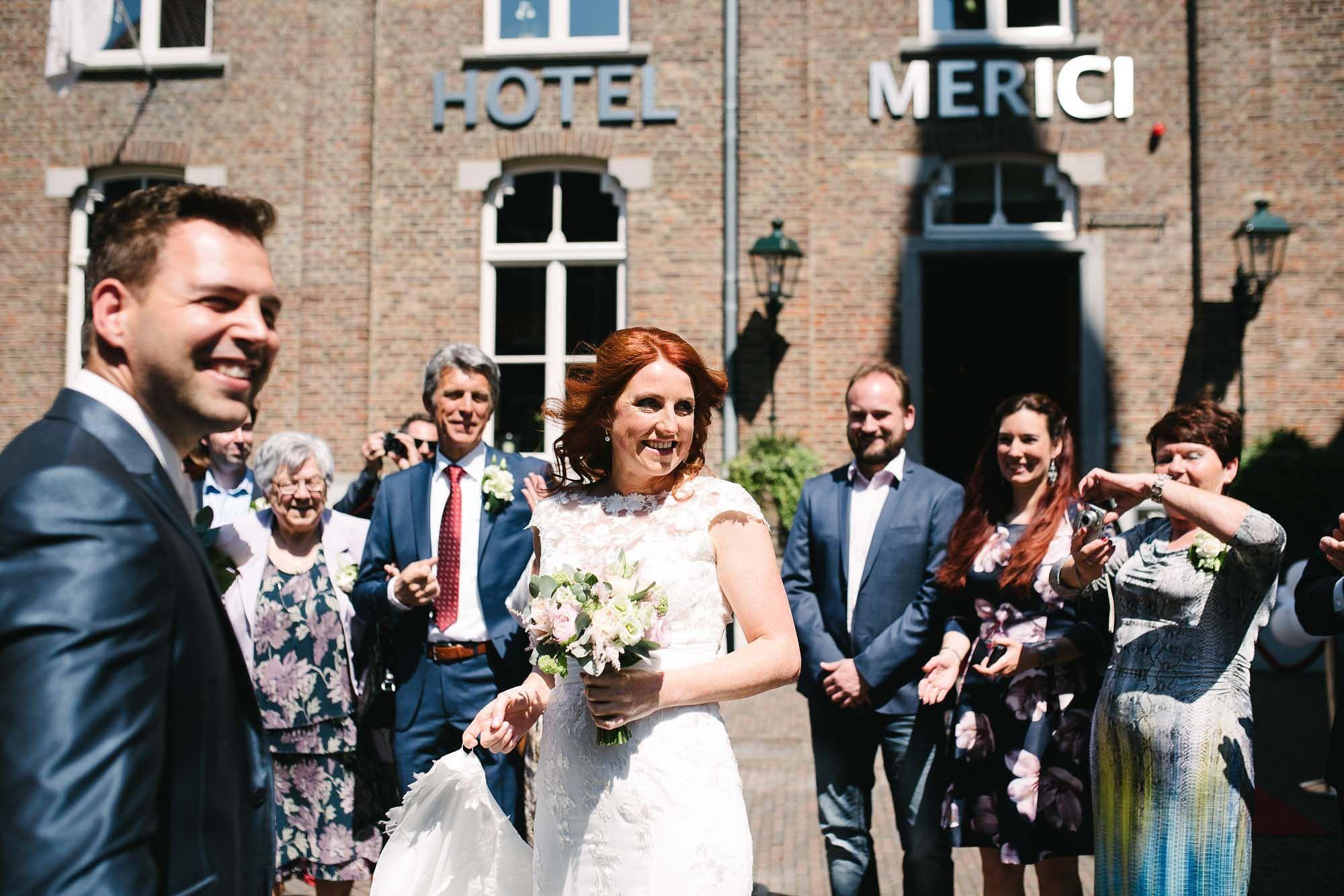 Bruidsfotograaf-Sittard-journalistieke-bruidsfotografie-027.jpg