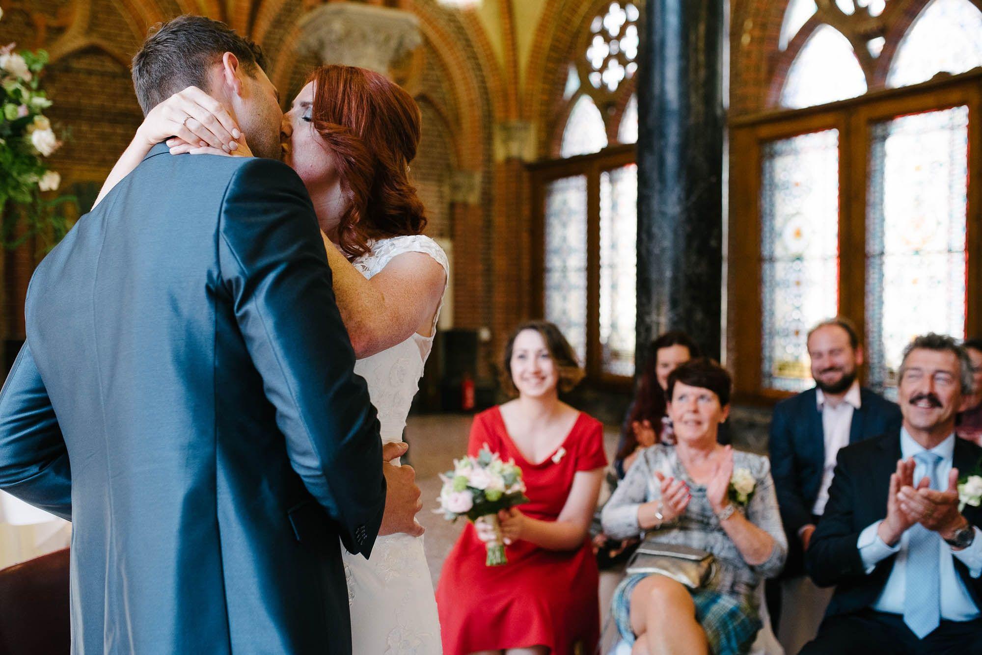 Bruidsfotograaf-Sittard-journalistieke-bruidsfotografie-035.jpg