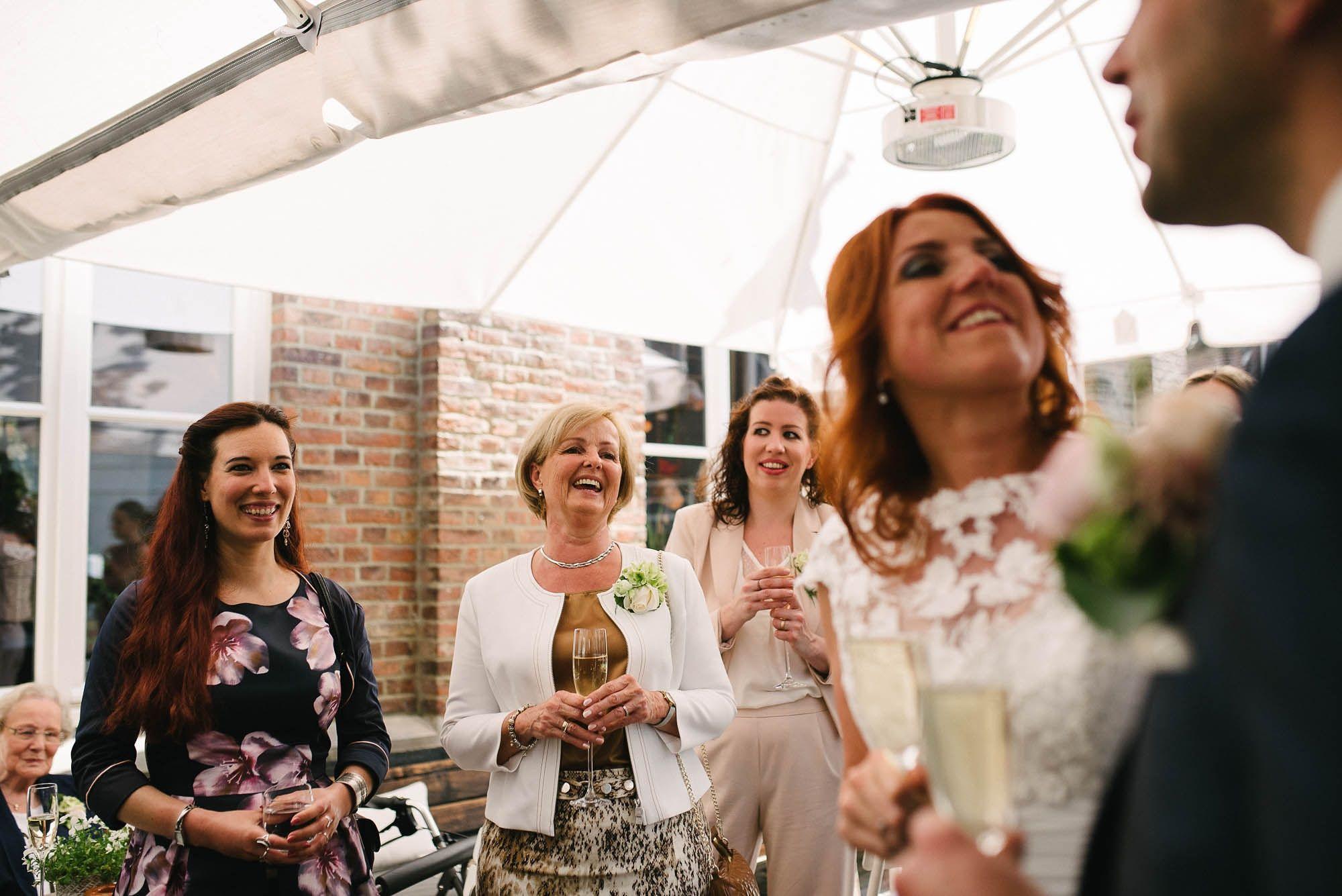 Bruidsfotograaf-Sittard-journalistieke-bruidsfotografie-049.jpg