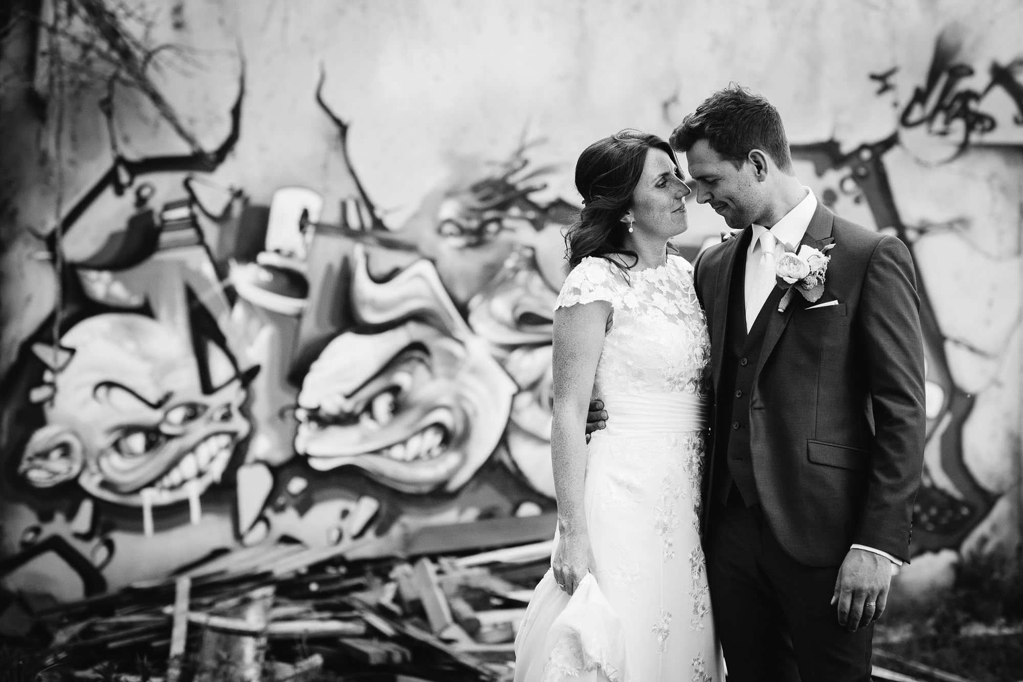 Bruidsfotograaf-Sittard-journalistieke-bruidsfotografie-074.jpg