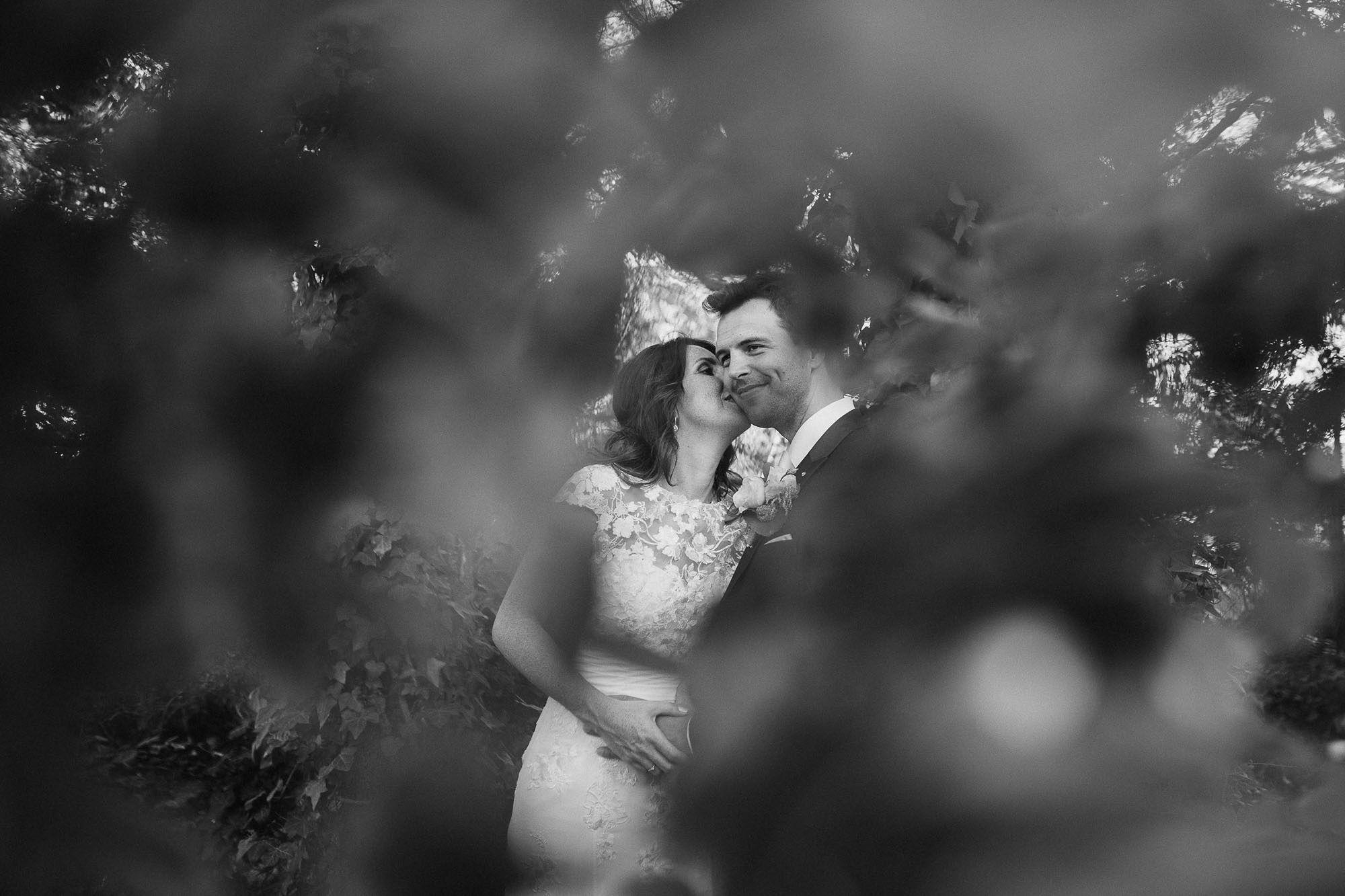 Bruidsfotograaf-Sittard-journalistieke-bruidsfotografie-076.jpg