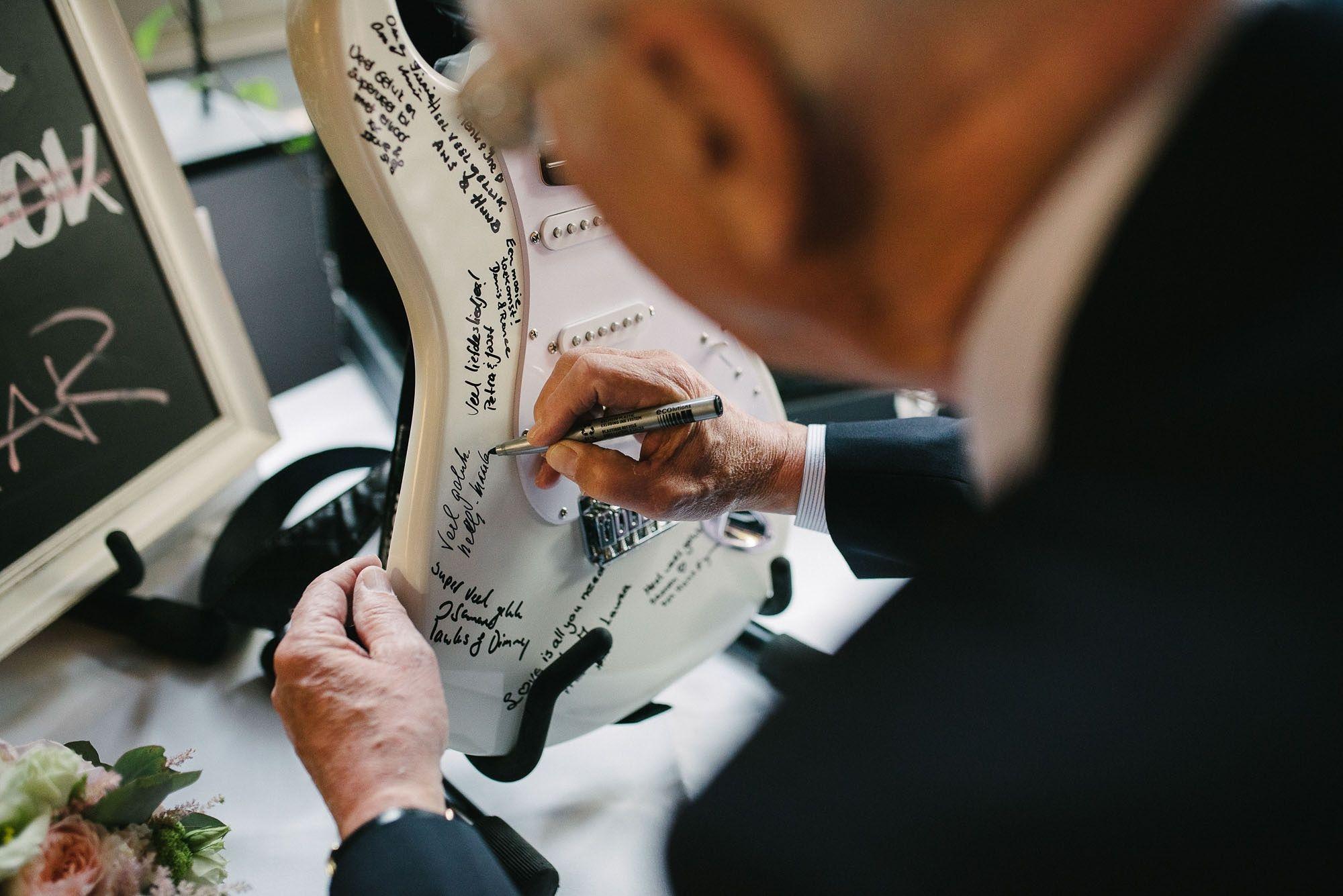 Bruidsfotograaf-Sittard-journalistieke-bruidsfotografie-084.jpg