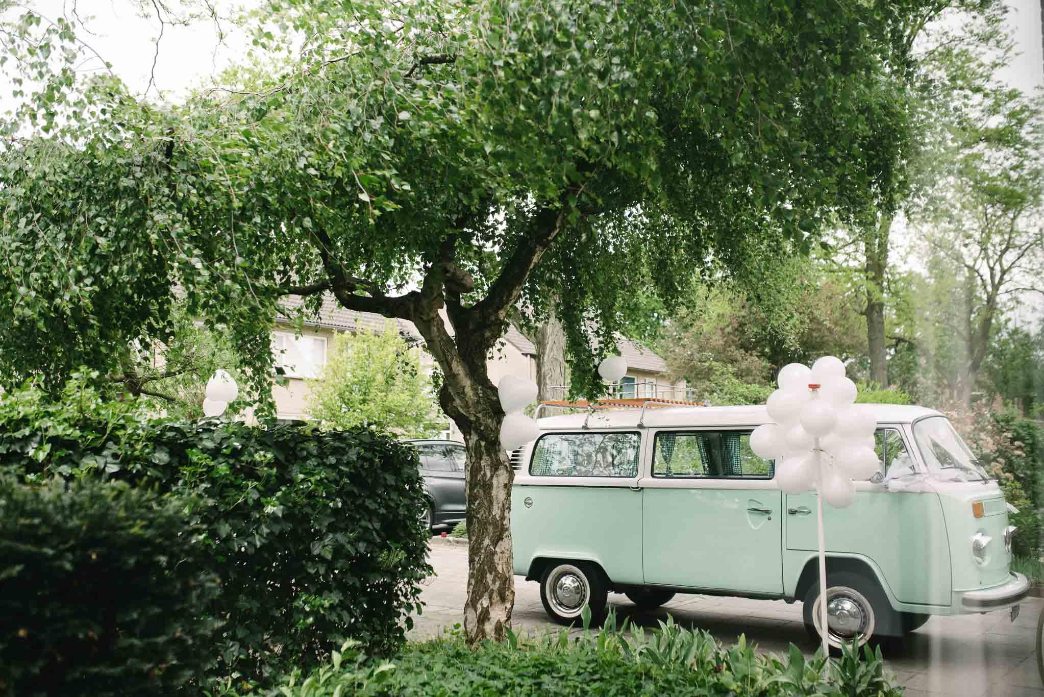 trouwauto-volkswagen-bus-retro