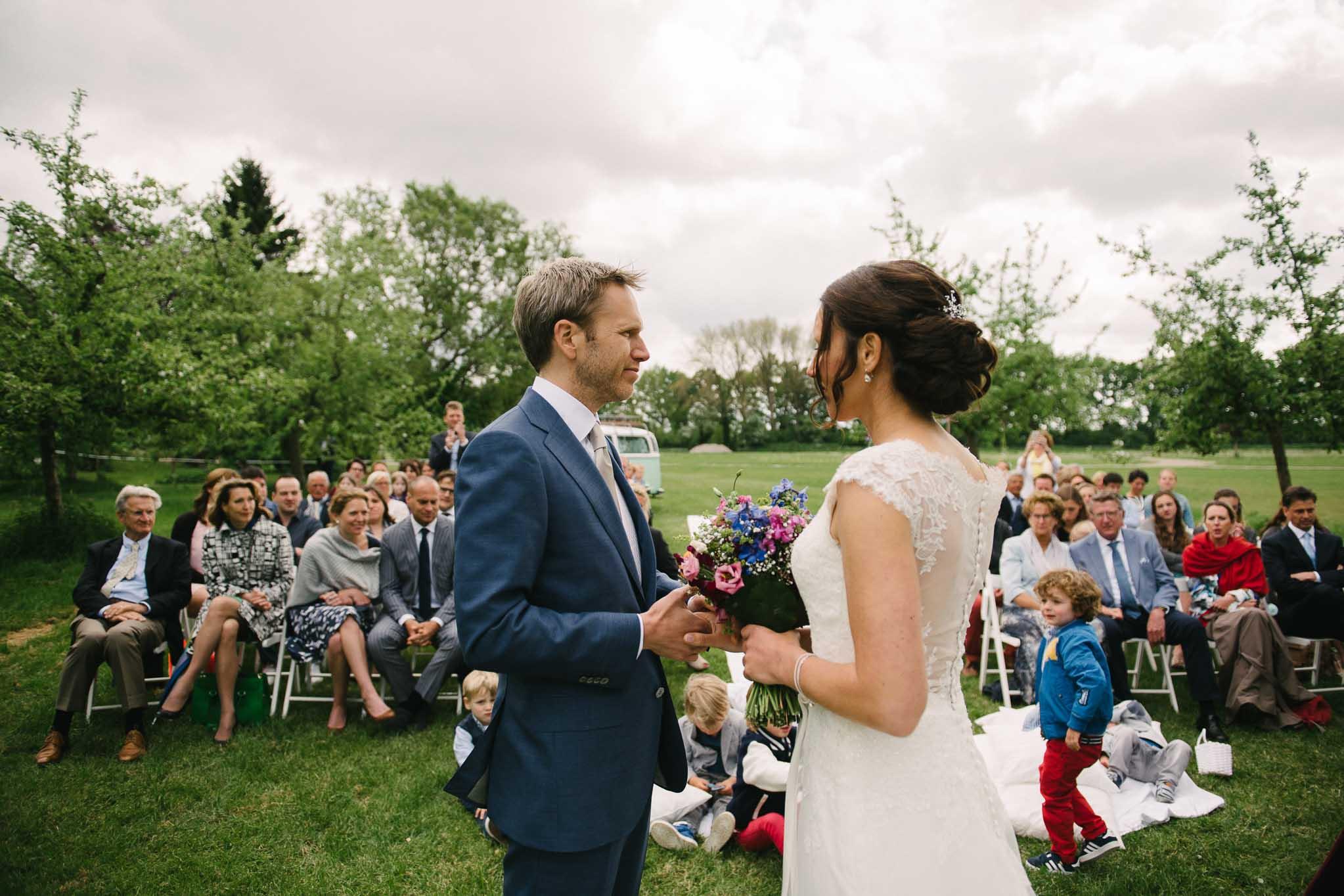 bruidsfotograaf-utrecht-journalistieke-bruidsreportage-buitenbruiloft