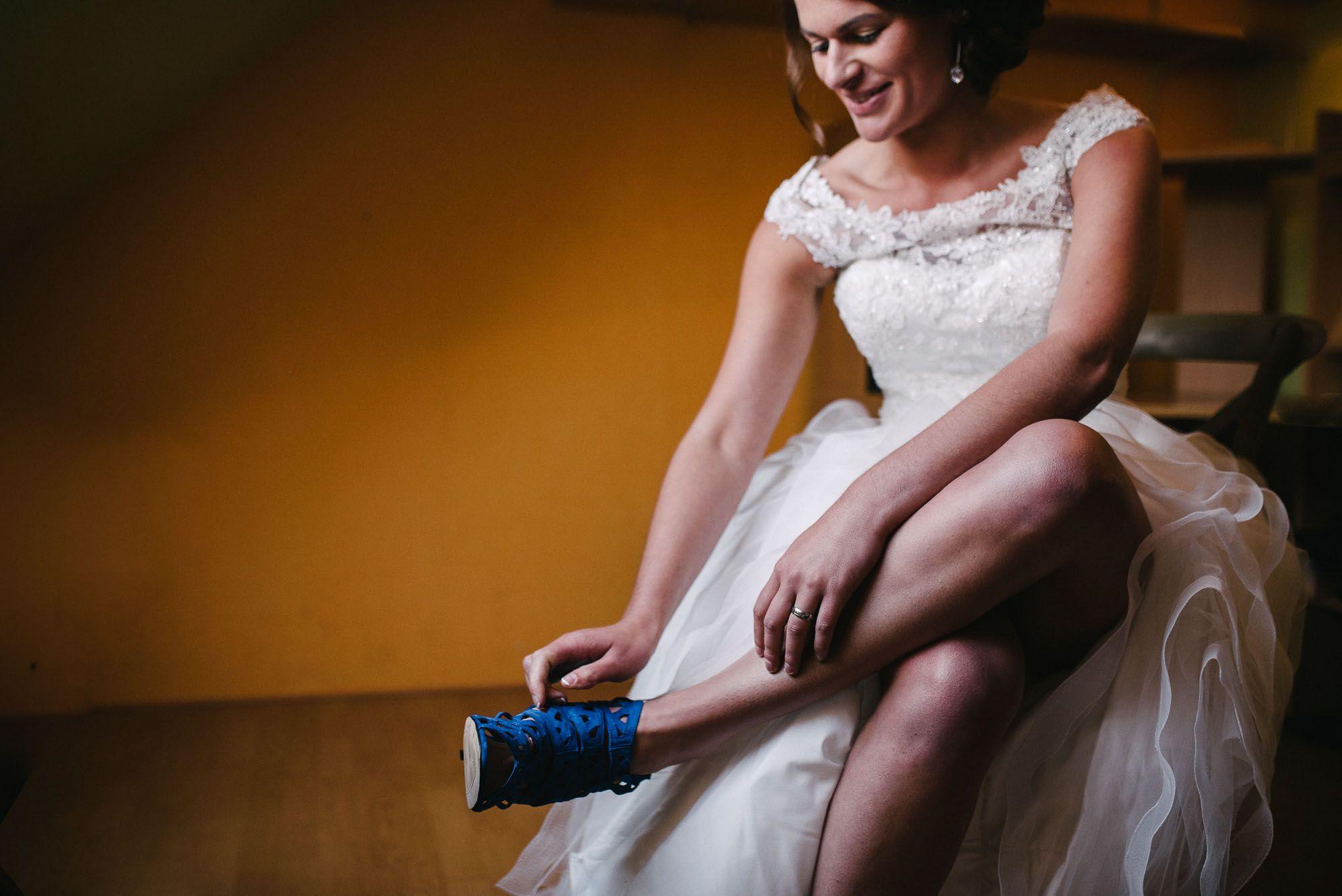 blauwe bruidsschoenen