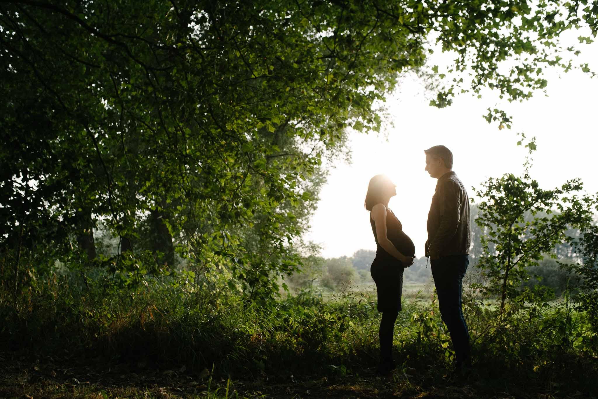 stoere zwangerschapsfotografie fotoshoot zwanger met partner