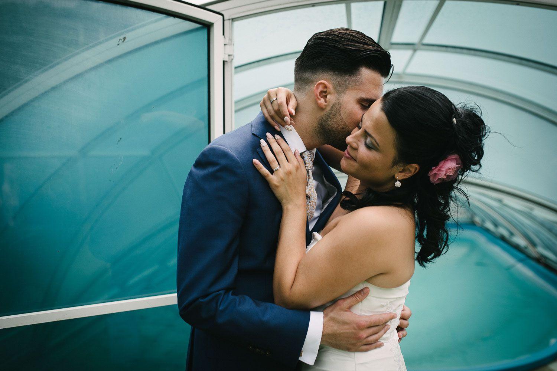 fotoshoot bruidspaar spontaan ongeposeerd