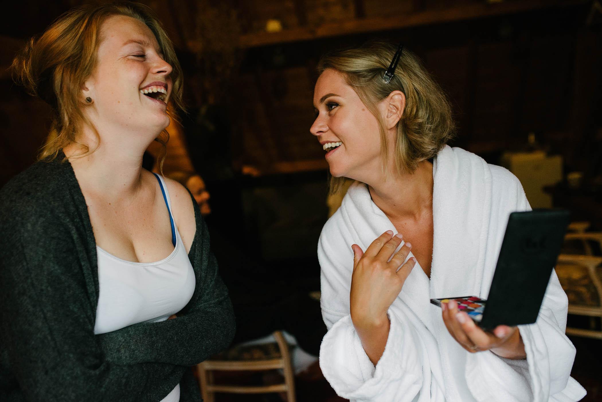journalistieke foto's bruiloft voorbereidingen