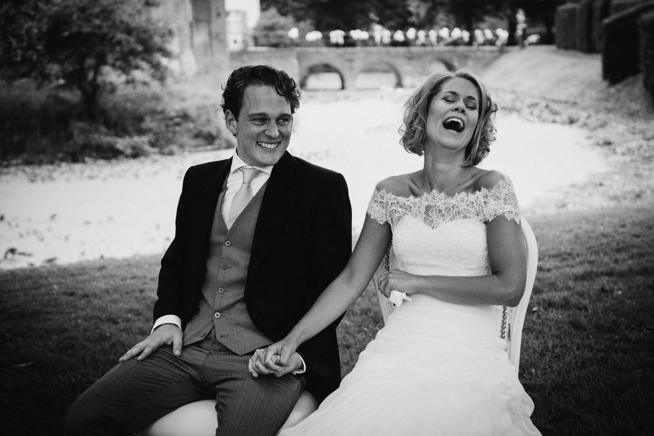 buitenbruiloft spontane journalistieke bruidsreportage