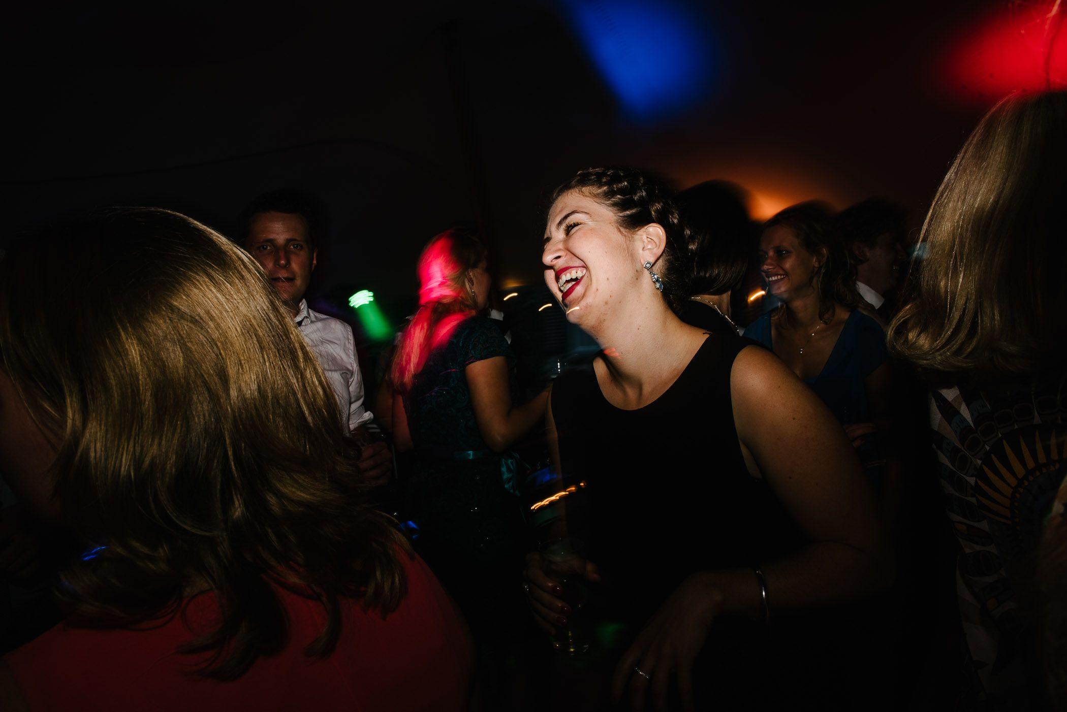 foto's bruidsfeest spontaan origineel