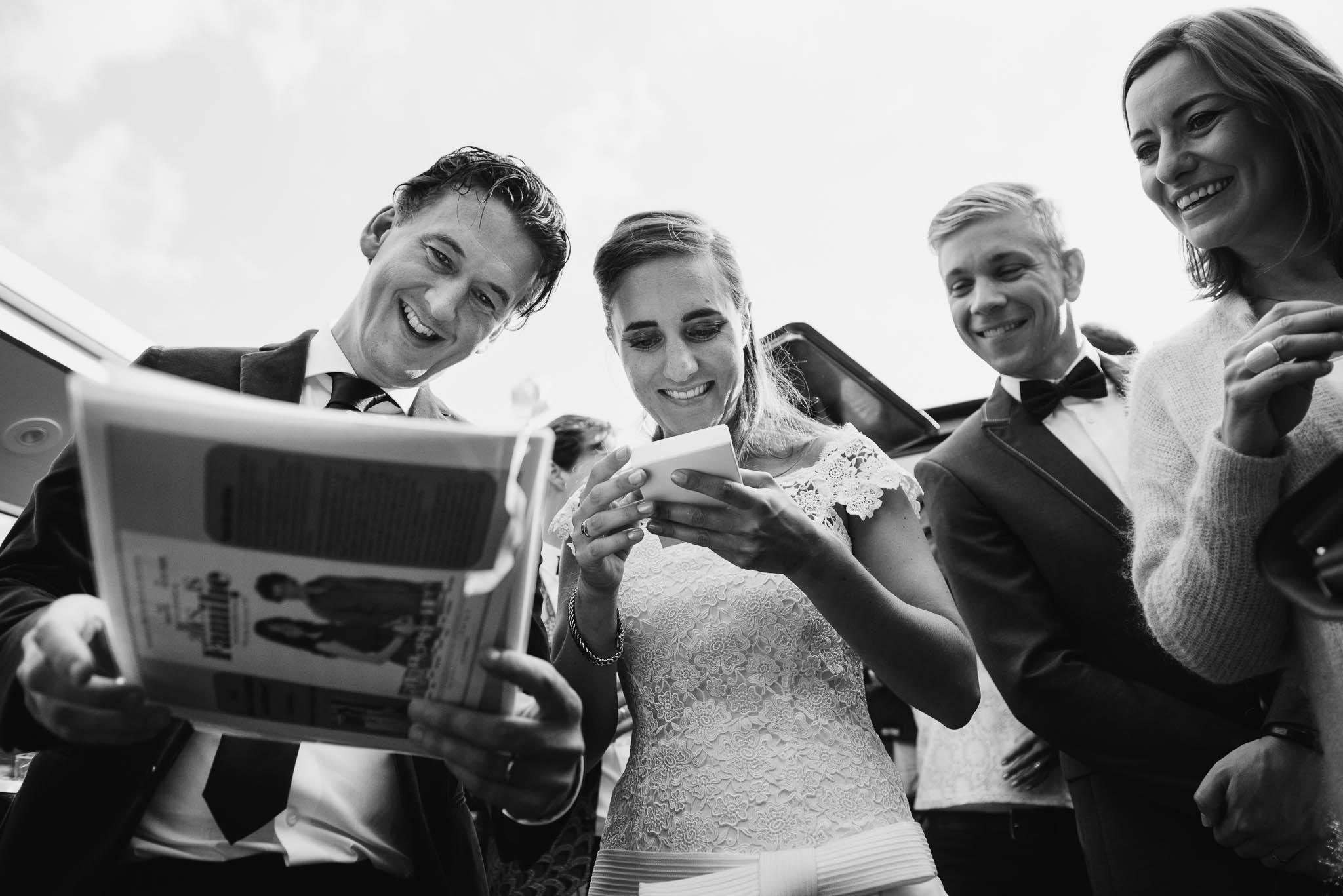Amsterdam bruidsfotograaf journalistieke stijl boottocht