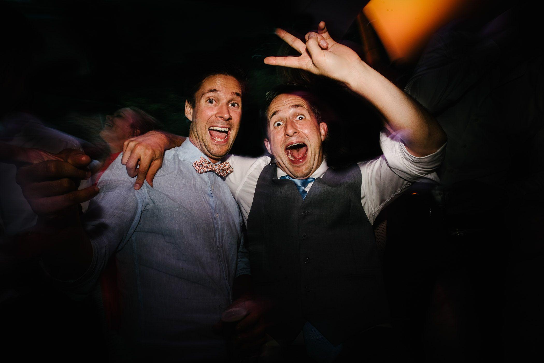 trouwfotograaf journalistiek fotograaf bruiloft ongeposeerd