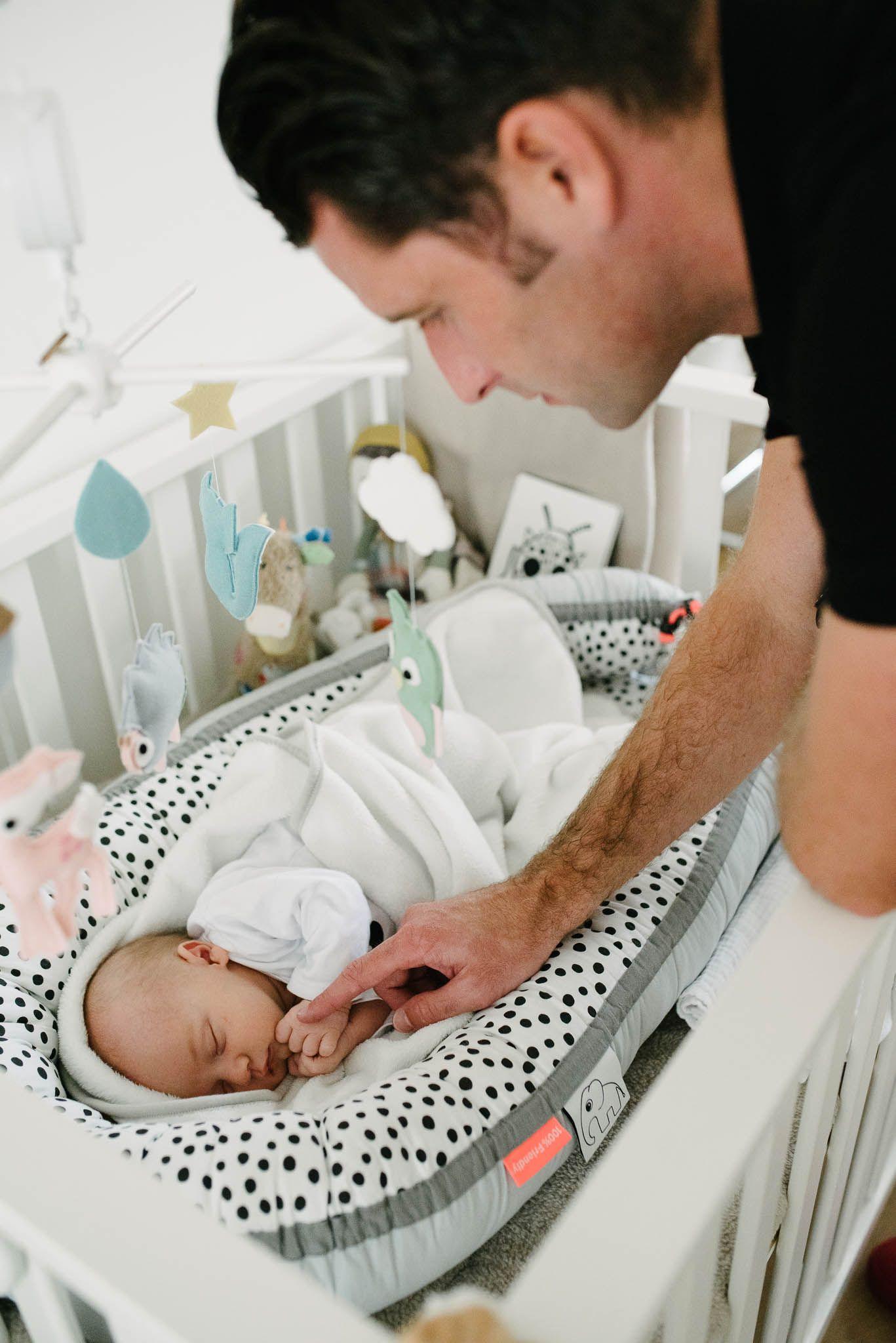 natuurlijk newbornfotografie fotoshoot baby thuis