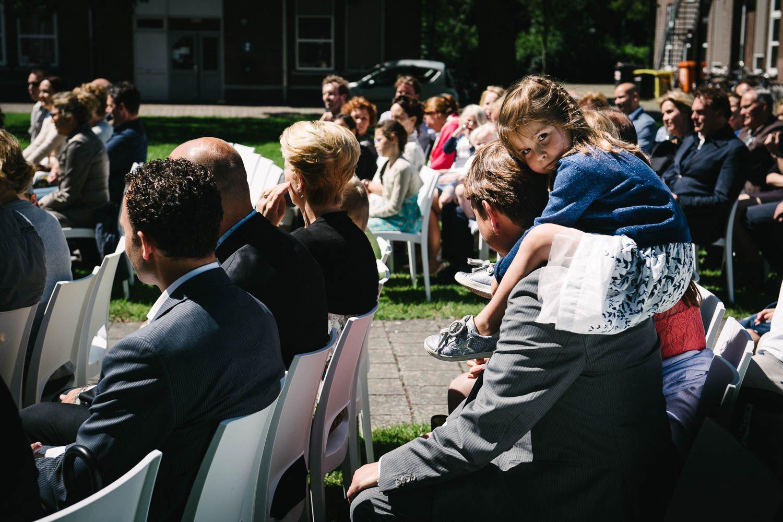 bruidsfotograaf journalistieke stijl trouwlocatie buiten Vught