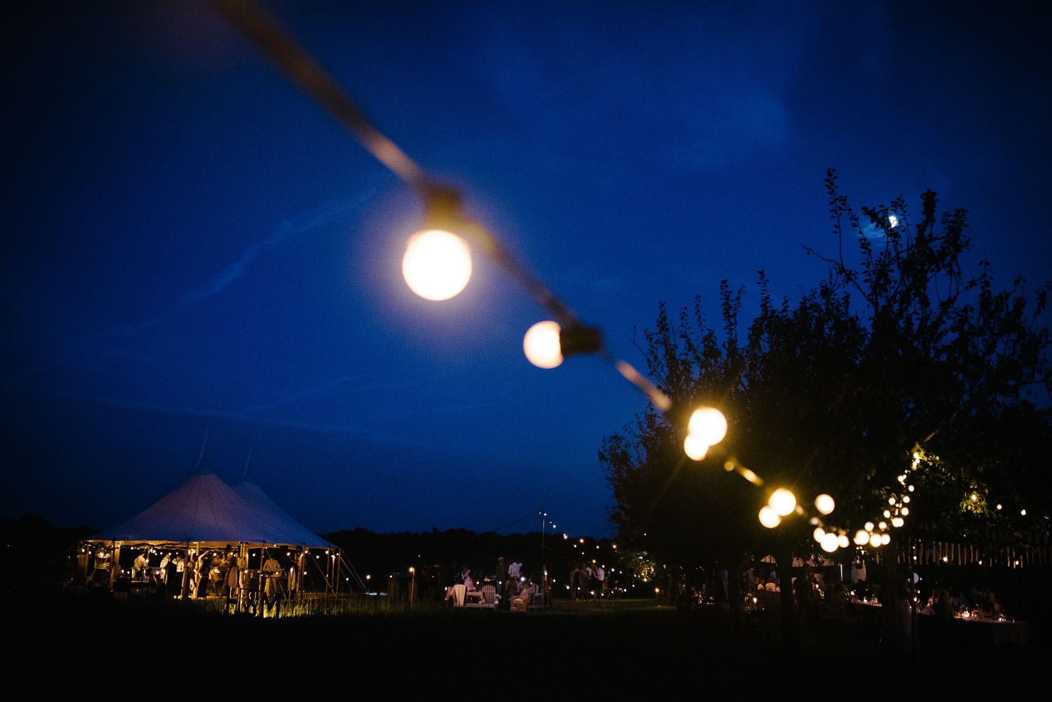 bohemian bruiloft festival stijl weiland Arnhem