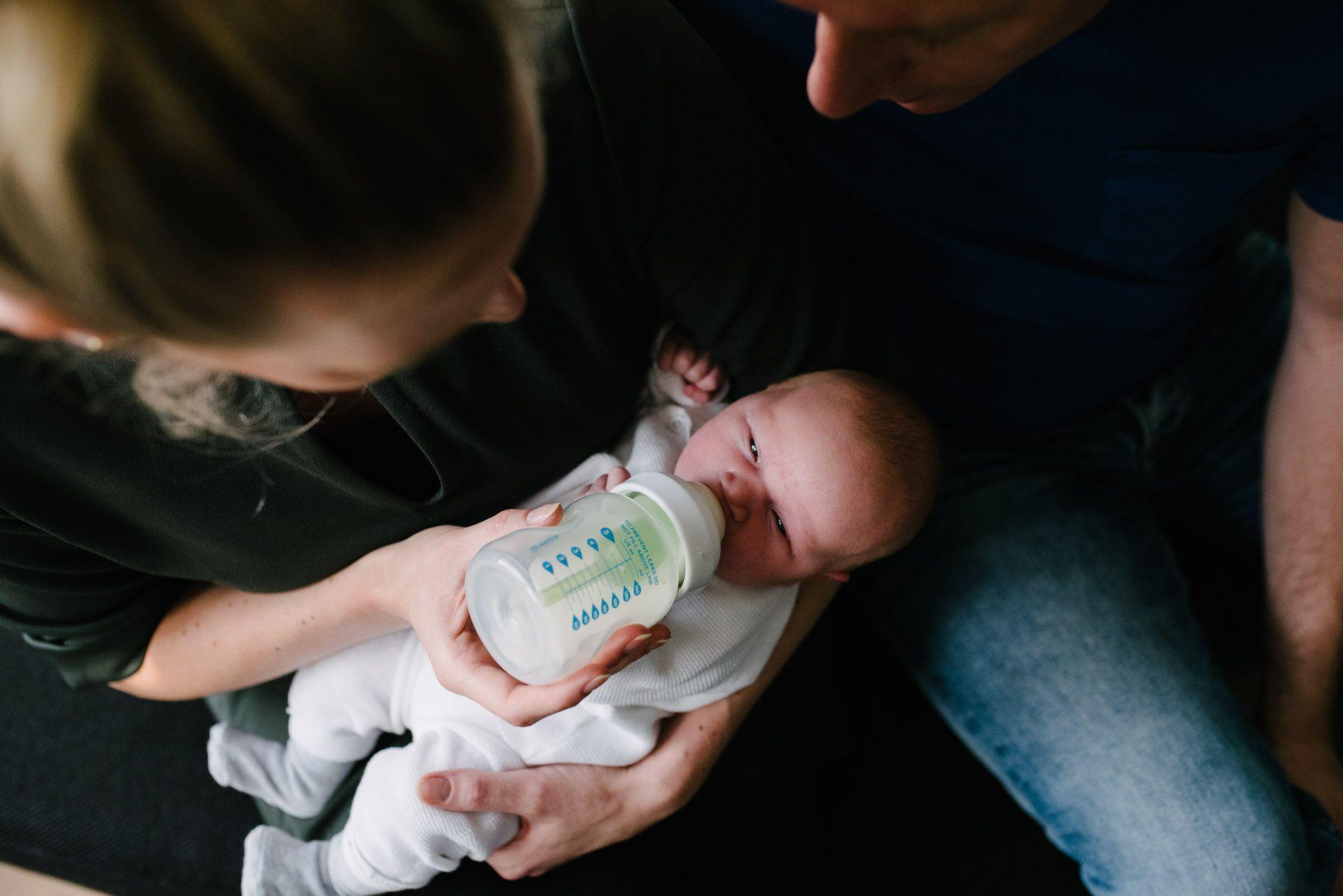 ongeposeerde natuurlijke foto's newborn Utrecht