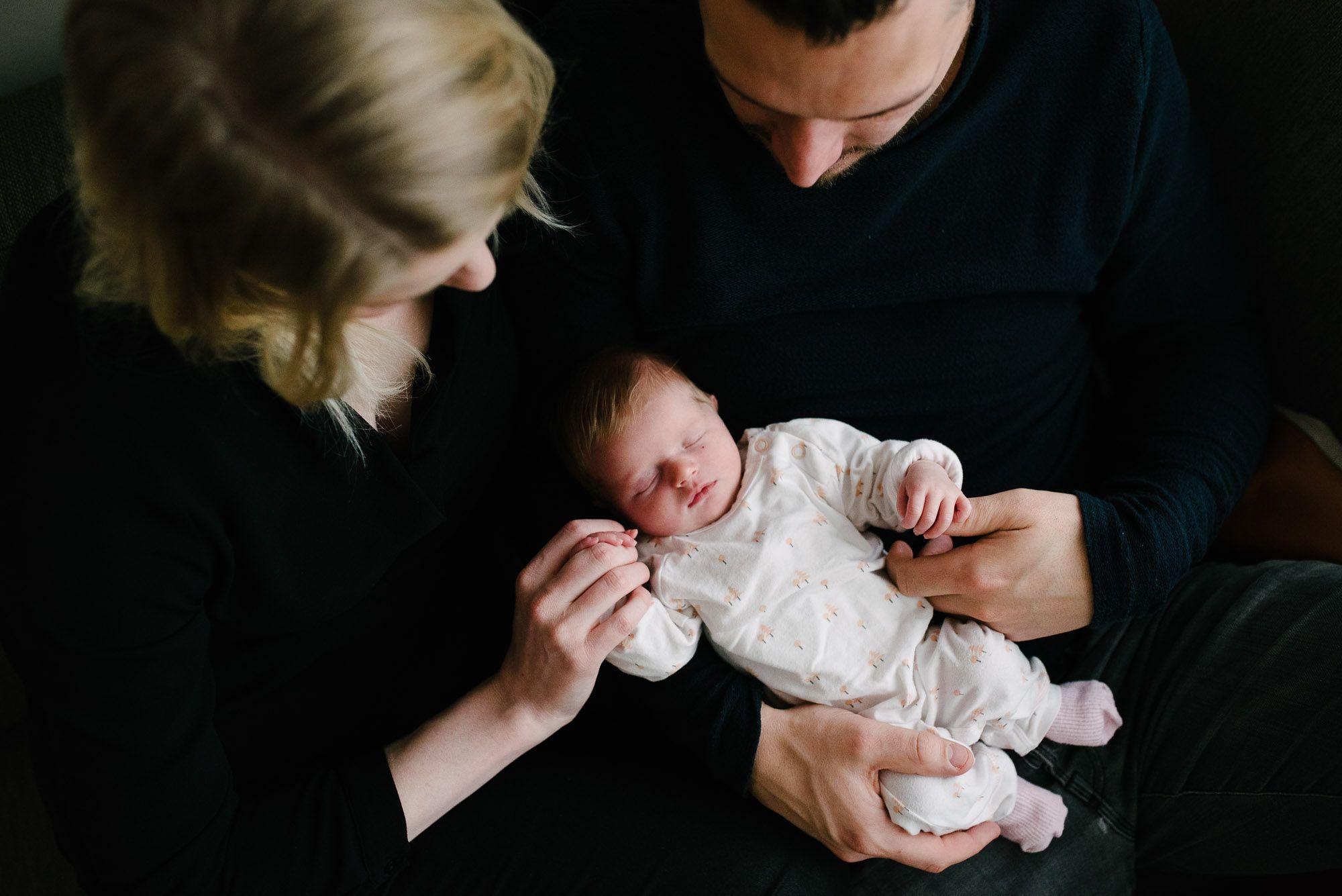 sotoshoot newborn thuis noord-brabant niet geposeerd
