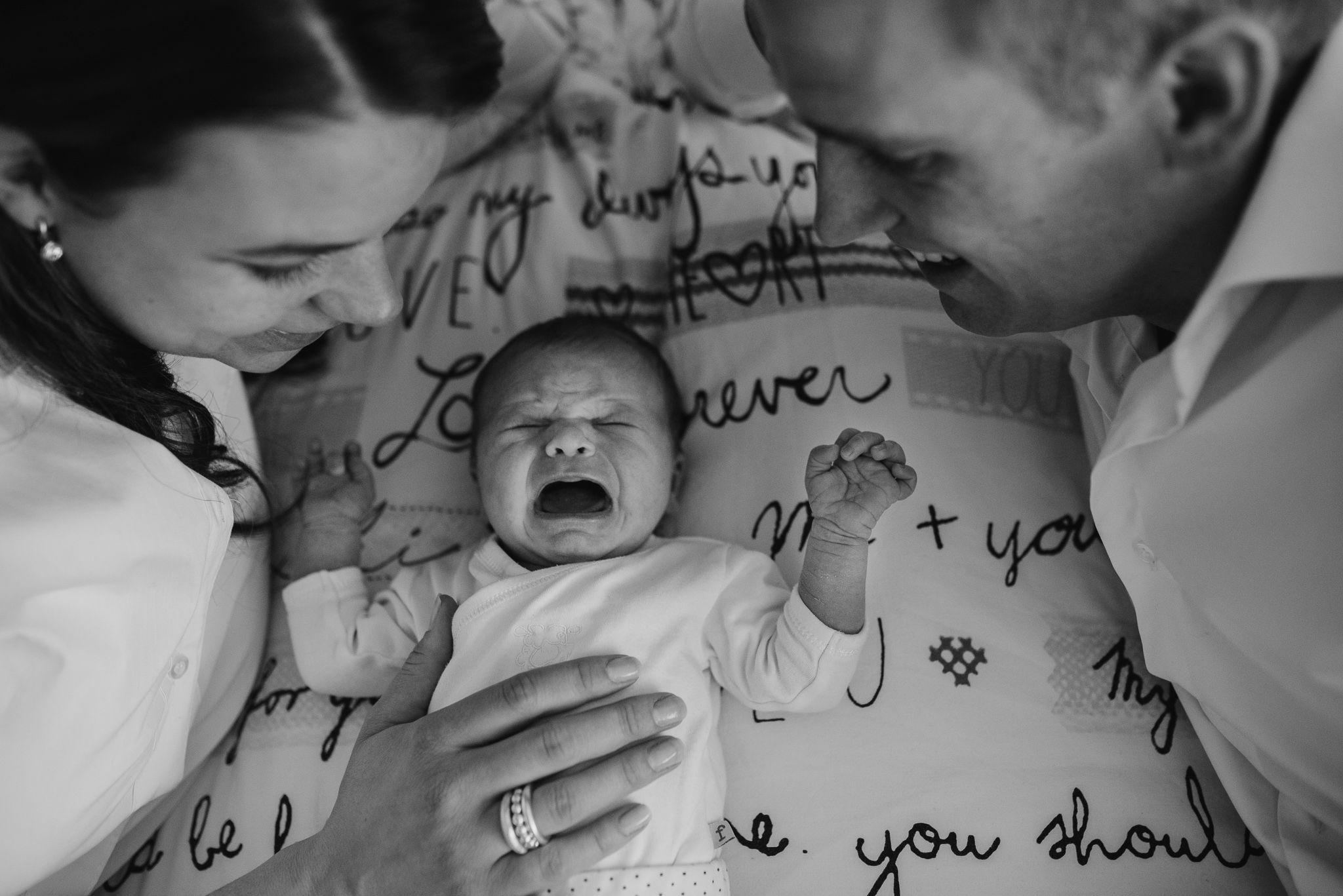 newborn foto's thuis ongeposeerd lifestyle