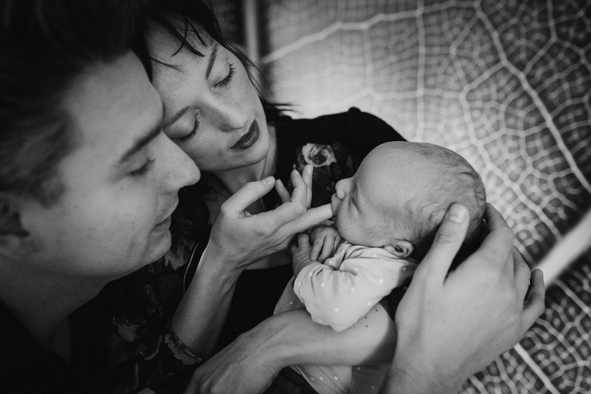 natuurlijke spontane foto's newborn baby