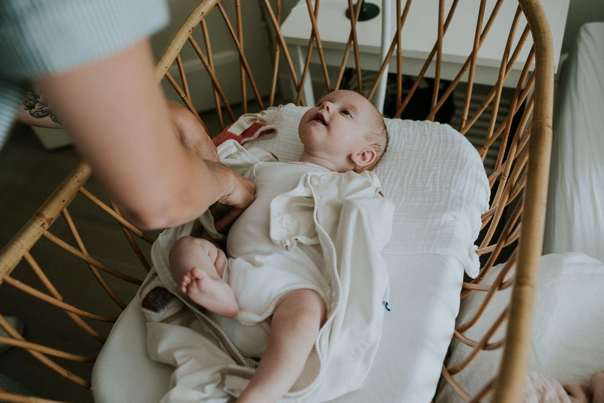 ongeposeerde newbornfotografie